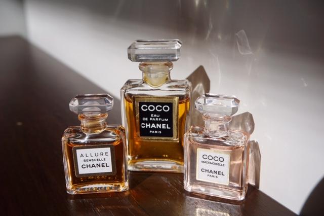 kolekcja perfum Asi F. 25