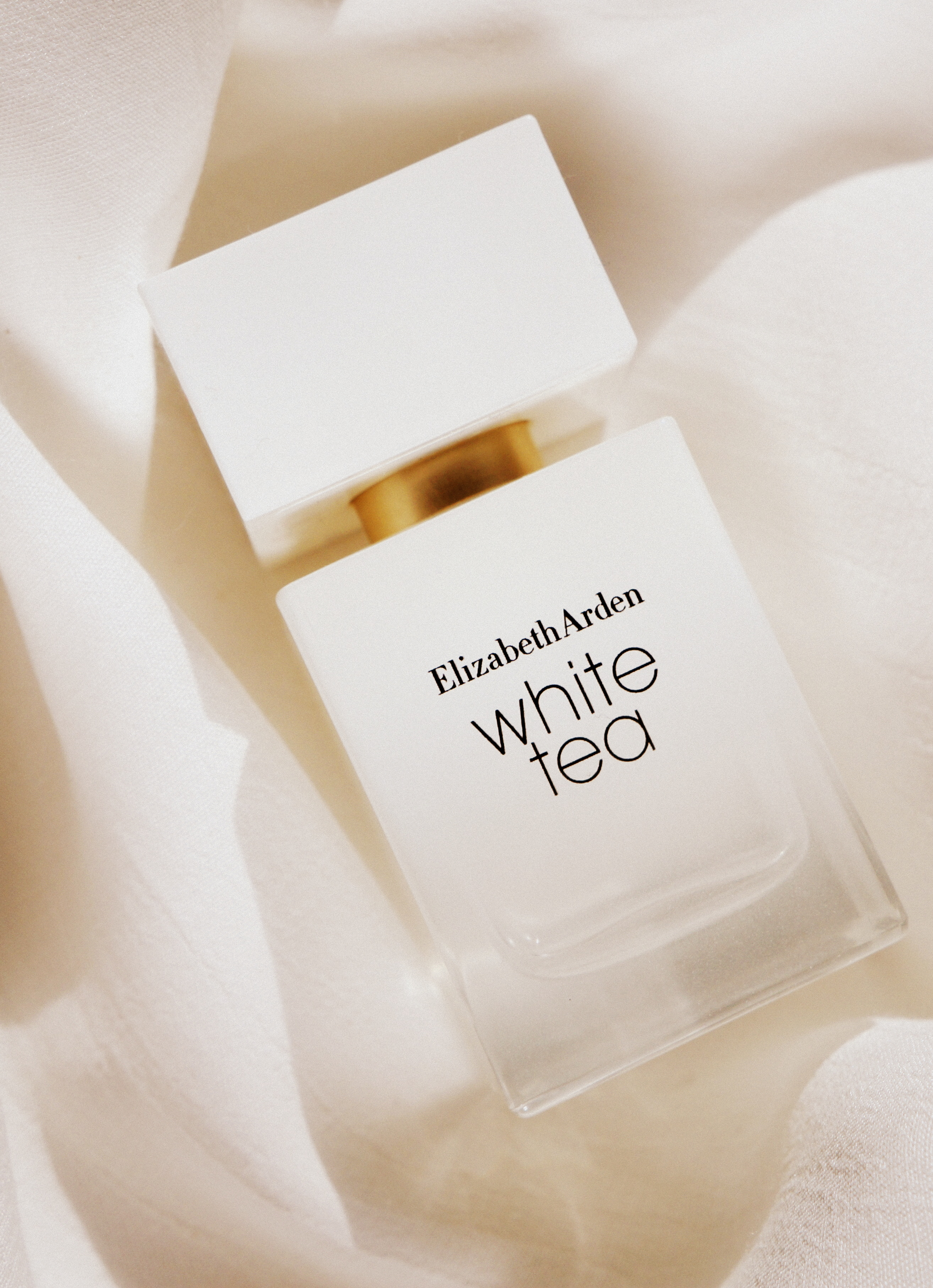 white-tea-elizabeth arden